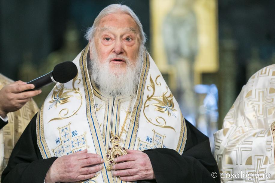 Părintele Mitropolit Kalistos Ware rostind cuvântul de învățătură/ Foto: Oana Nechifor